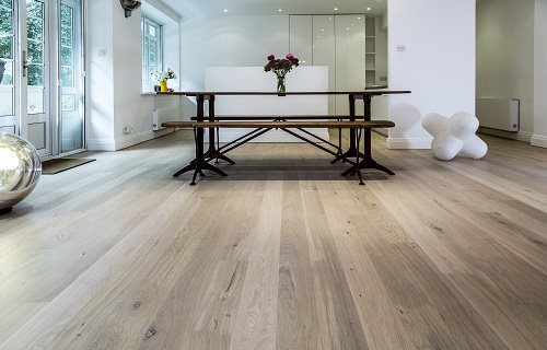 Bona Limited - Wooden Floors: Specification of Finishes and Maintenance Products